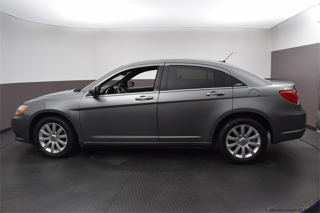 Pre-Owned 2012 Chrysler 200 Touring