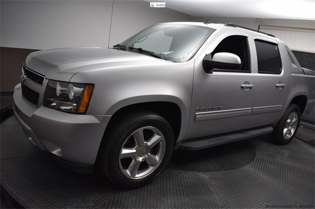 Pre-Owned 2011 Chevrolet Avalanche 1500 LS